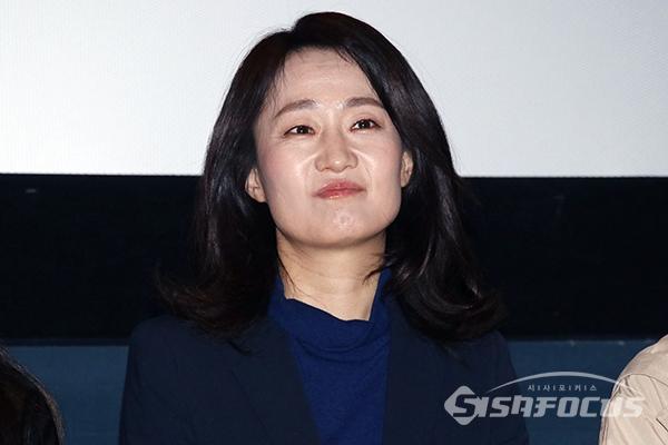 배우 김수진이 무대인사를 하고 있다. [사진 / 오훈 기자]